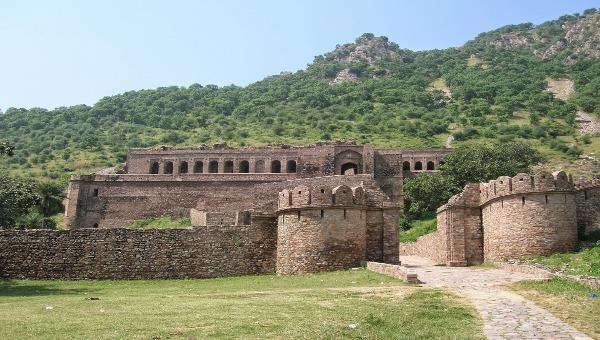 Ám ảnh lời nguyền ở pháo đài Bhangarh - địa điểm đáng sợ bậc nhất châu Á