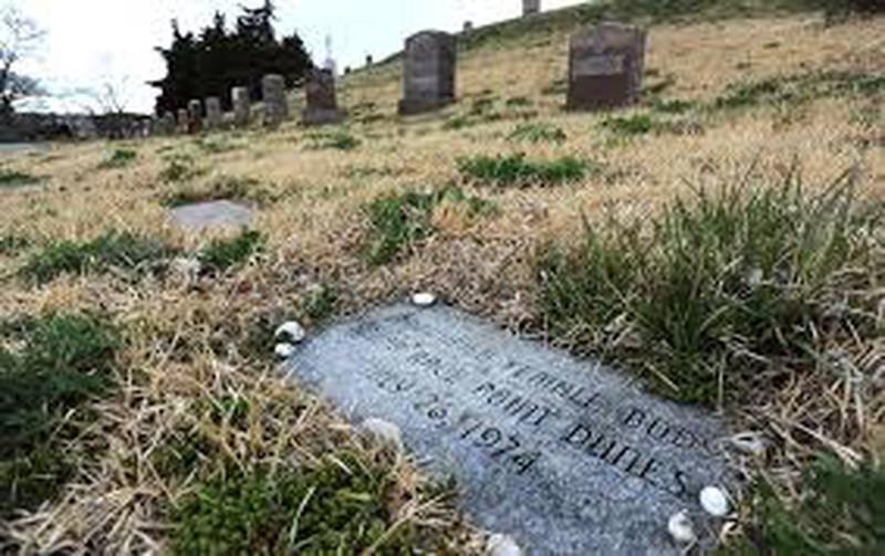 """Vì sao vụ án mạng """"Phu nhân cồn cát"""" nửa thế kỷ chưa tìm ra hung thủ? (Tiếp theo và hết)"""