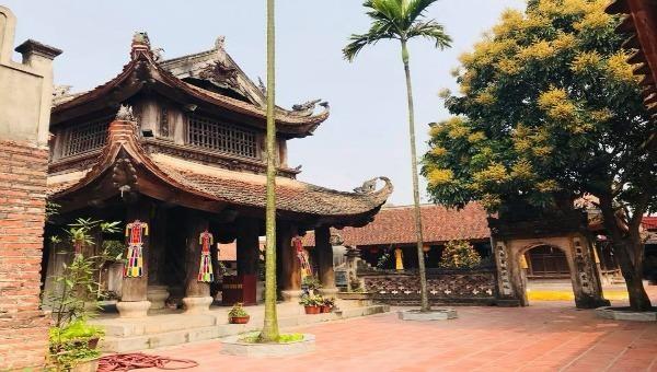 Ngôi chùa cổ sở hữu đôi giếng mắt rồng