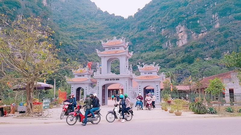 Ngôi chùa cầu duyên nổi tiếng cố đô Hoa Lư