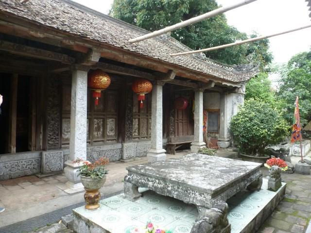 Trấn Bắc: đền Đa Giá.