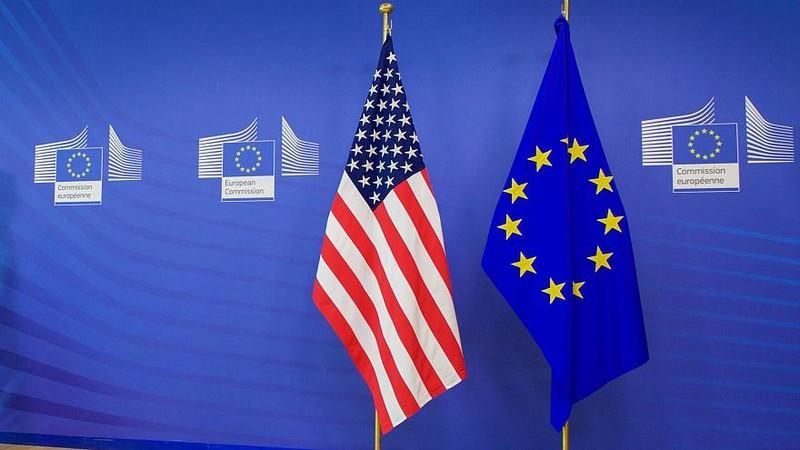 Mối quan hệ giữa Mỹ và các nước EU gần đây được cải thiện, thêm gắn bó.