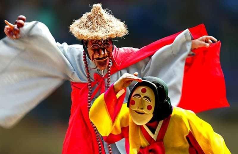 Mặt nạ gỗ nghệ thuật Hàn Quốc.