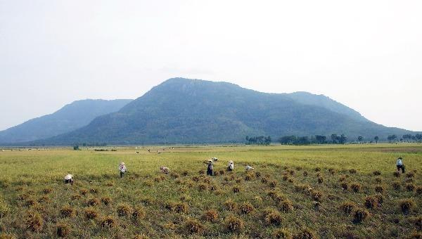 Khu vực núi Cấm- ngọn núi linh thiêng bậc nhất ở miền Tây, nơi từng có nhiều thầy bùa đến tu luyện.