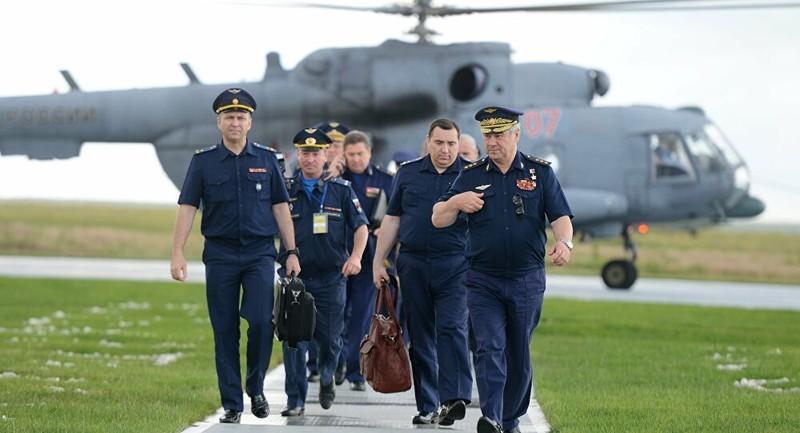 Các phi công Nga hiện nay.