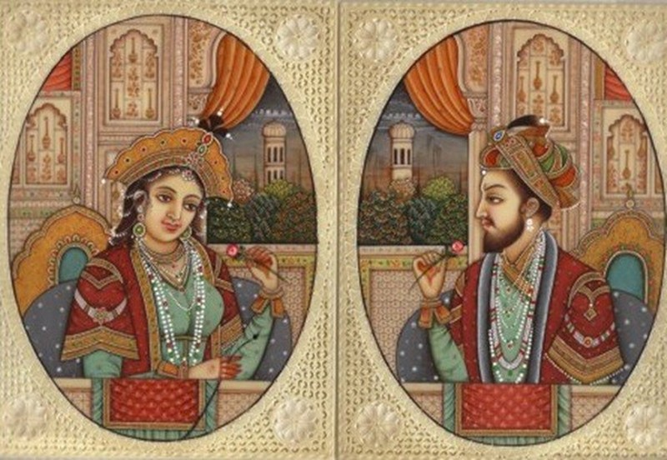 Ảnh vua Shah Jahan và Hoàng hậu Mumtaz Mahal trong đền.