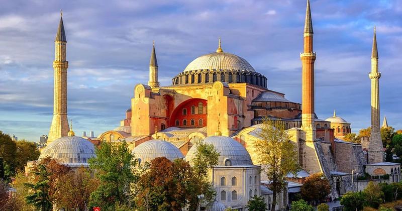 Nhà thờ Haghia Sophia.