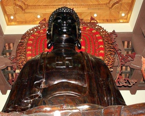 Tượng Phật A Di Đà chùa Ngũ Xã.