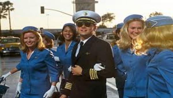 Frank William Abagnale là một trùm lừa đảo thành công nhất trong lịch sử nước Mỹ (ảnh trong phim 'Catch me if you can').