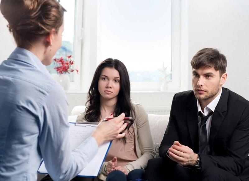 """Không đăng ký kết hôn, khi """"đường ai nấy đi"""" có được chia tài sản và yêu cầu cấp dưỡng?"""