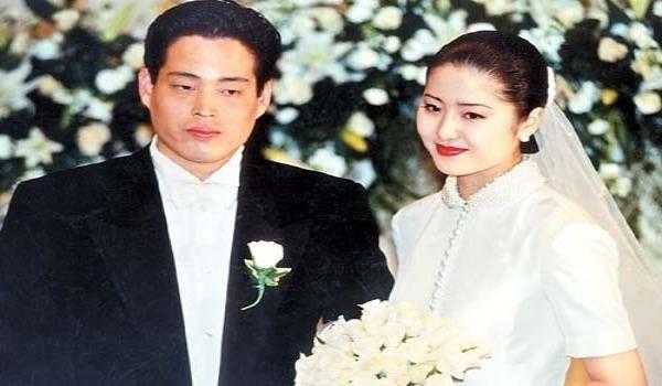 Go Hyun Jung từ bỏ thảm đỏ showbit để bước vào làm dâu nhà Sam sung đầy bi kịch.
