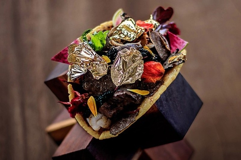 Bánh Tacos hảo hạng có giá tương đương 600 triệu đồng.