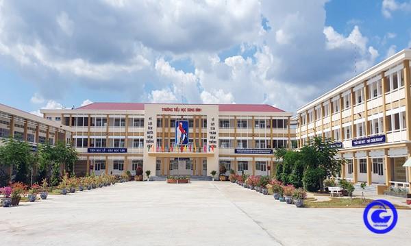 Trường Tiểu học Song Bình (huyện Chợ Gạo, tỉnh Tiền Giang) được đầu tư cho năm học mới.