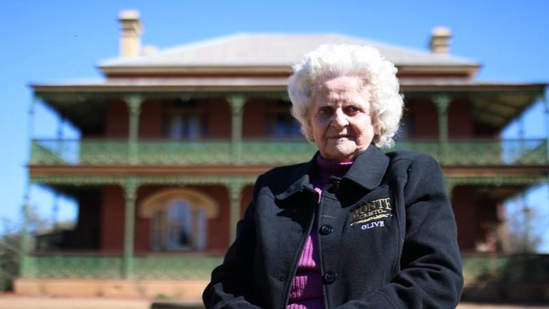 Bà Olive Ryan, chủ sở hữu thứ 2 của ngôi nhà.