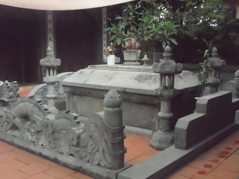 Lăng mộ thực của Đức Thánh Trần ở đâu?