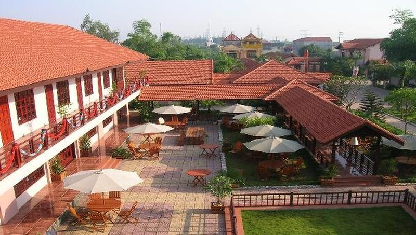 Cơ ngơi khang trang của Nhà hàng Phú Nam thuộc quyền sở hữu của Cty CP Phú Nam thời điểm chưa bị phá sản.