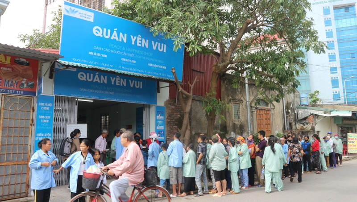 Quán cơm Yên Vui đa phần phục vụ bệnh nhân nghèo trên địa bàn Nghệ An.