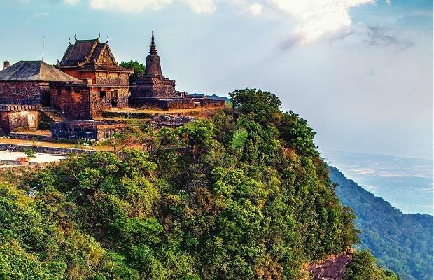 """Huyền bí núi Tà Lơn - (Bài 1): Những chuyện ly kì trên ngọn núi được mệnh danh """"Thánh địa"""" của giới tu hành"""