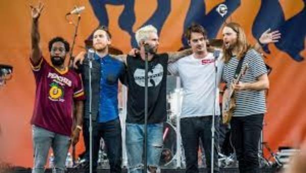 Nhóm nhạc Maroon 5.