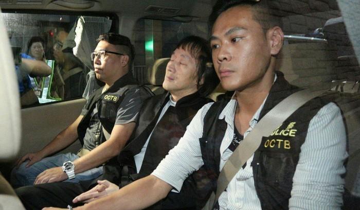 """Vì sao cựu trùm """"Cậu bé Thượng Hải"""" vẫn trở về Hong Kong (Trung Quốc) dù biết sẽ bị bắt?"""