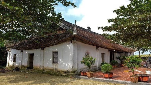 Đình Hoành Sơn có kiến trúc độc đáo đẹp bậc nhất miền Trung.
