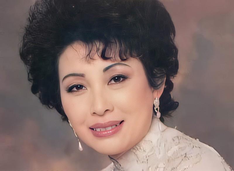 """Danh ca Mai Hương - """"viên ngọc quý"""" của tân nhạc Việt Nam"""