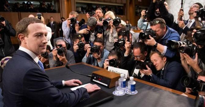 """Facebook rơi vào cảnh """"đáo tụng đình"""""""