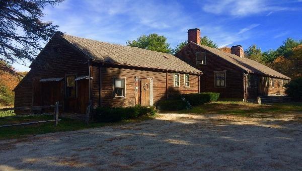 Hồn ma phù thủy Bathsheba ở biệt thự Old Arnold Estate