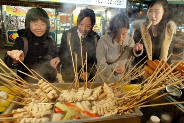 """Những điều thú vị về món chả cá Odeng- """"Viên ngọc"""" của ẩm thực Hàn Quốc"""