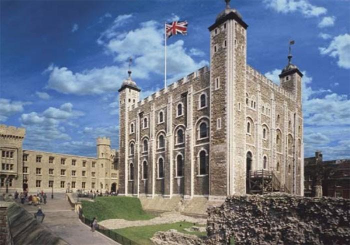 Truyền thuyết về những hồn ma bí ẩn trú ngụ ở Tháp London
