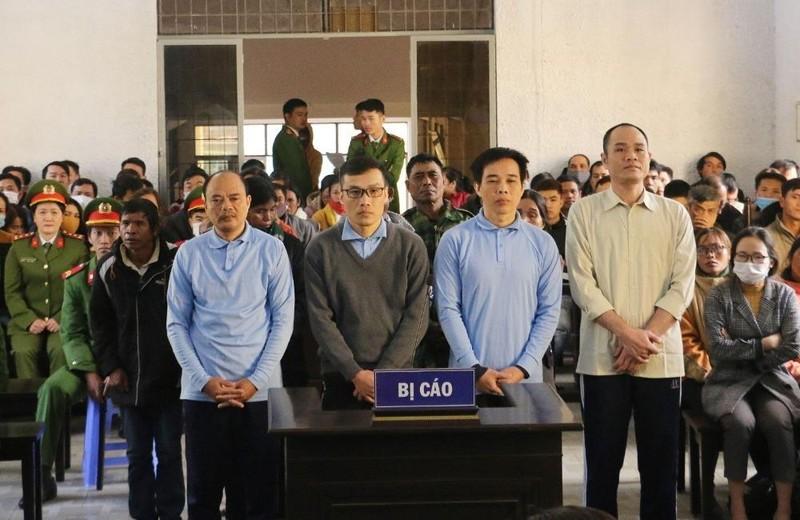 """Đắk Lắk: Nhiều cán bộ xã """"bắt tay"""" với dân nghèo chiếm đoạt tiền tại dự án nghìn tỷ"""