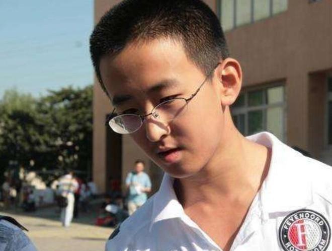 Tài năng nhưng Zhang Xinyang lại có lối sống thực dụng, lệch lạc. (Ảnh: Sohu)