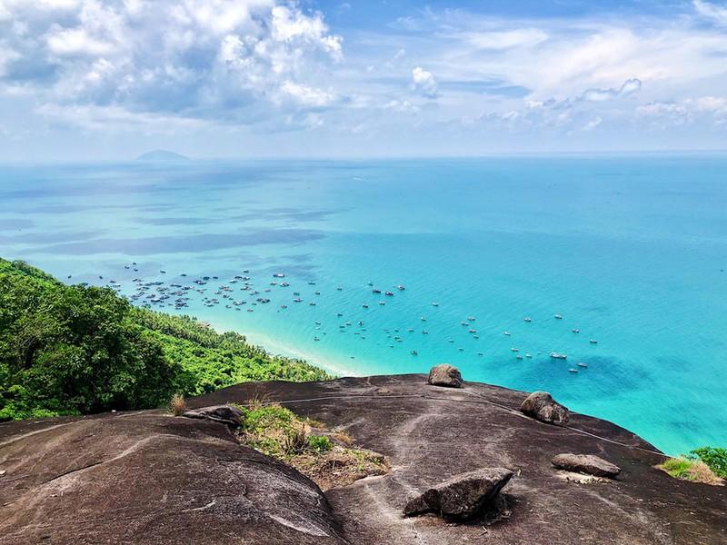 Đỉnh núi Ma Thiên Lãnh ở đảo Hòn Sơn.