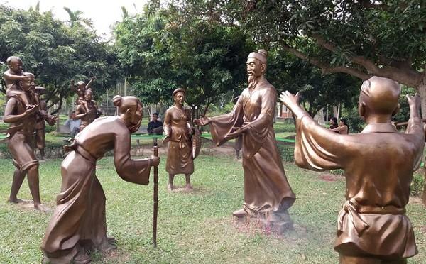 Vườn tượng tái hiện giai thoại Trạng Trình trong Khu di tích Nguyễn Bỉnh Khiêm ở Hải Phòng.