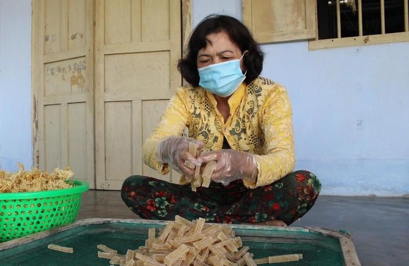 Độc đáo mứt rong hồng vân và cuộc sống đổi thay nhờ nuôi trồng rong biển ở Ninh Thuận