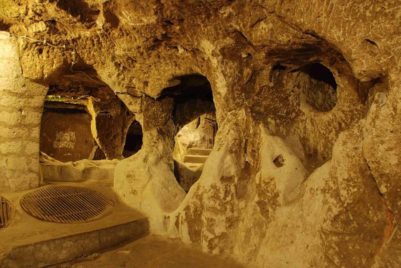 Khám phá thành phố cổ đại 18 tầng dưới lòng đất