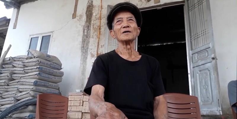 Trao đổi với PV, ông Mã Văn Chỉnh xác nhận, đất nhà ông ở là được gia đình ông Tiến cho mượn.