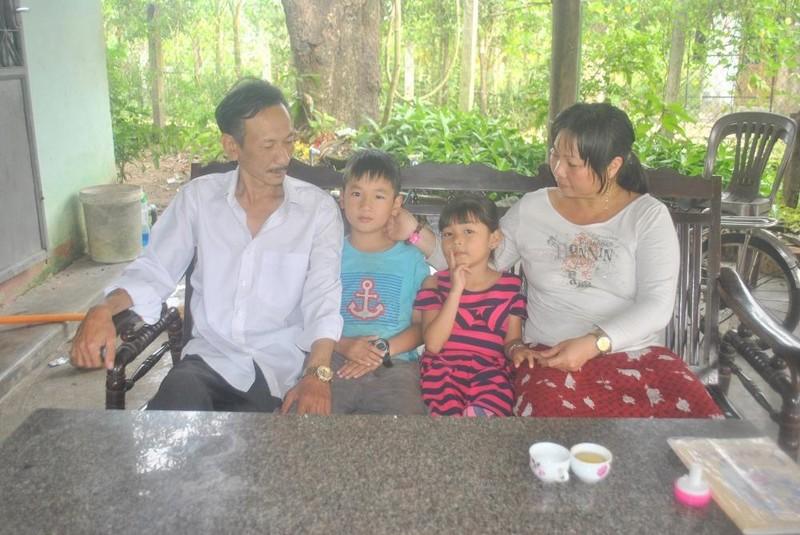 Gia đình hạnh phúc của anh Khiêm.
