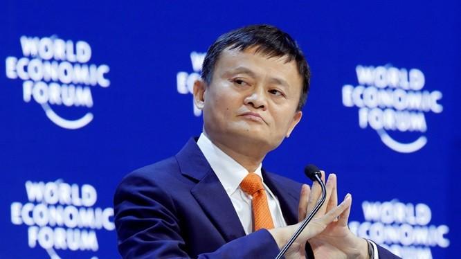 """Tỷ phú Jack Ma:  Hành trình từ kẻ cơ hàn trở thành """"ông trùm"""" thương mại điện tử"""