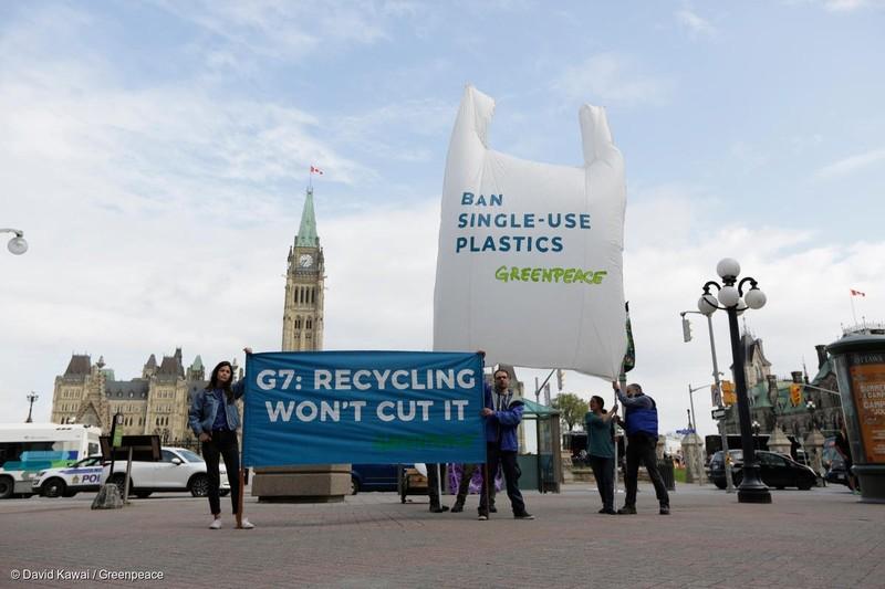 Lệnh cấm đồ nhựa một lần sẽ được ban hành vào cuối năm 2021.