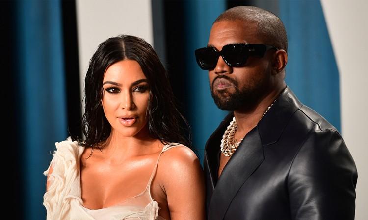 Kim Kardashian và Kanye West đang làm thủ tục ly dị sau 7 năm kết hôn.
