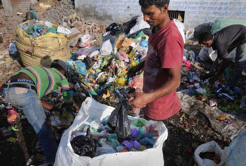 Ấn Độ quyết tâm không phụ thuộc vào nhựa
