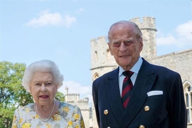 Mối tình bền chặt 73 năm của Hoàng thân Philip và Nữ hoàng Elizabeth II