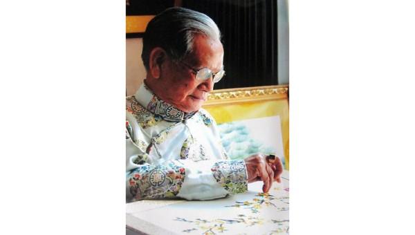 Những ai còn giữ gìn nghề thêu long bào của dân tộc Việt?
