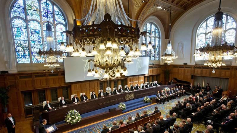 Một phiên xét xử tại Tòa án Quốc tế.