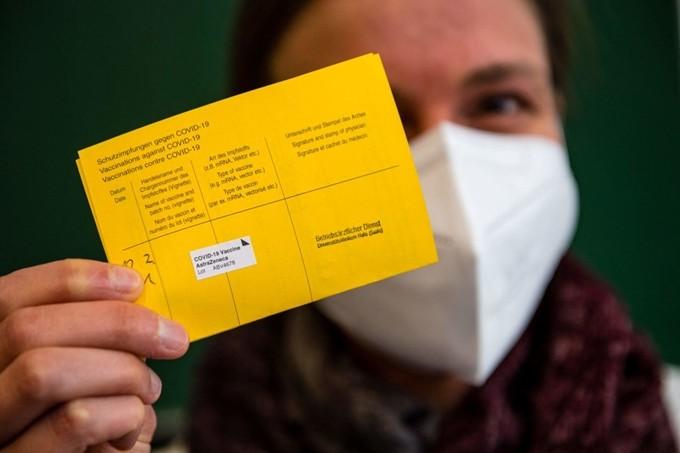 Cảnh báo hộ chiếu vaccine Covid-19 giả tràn lan trên mạng