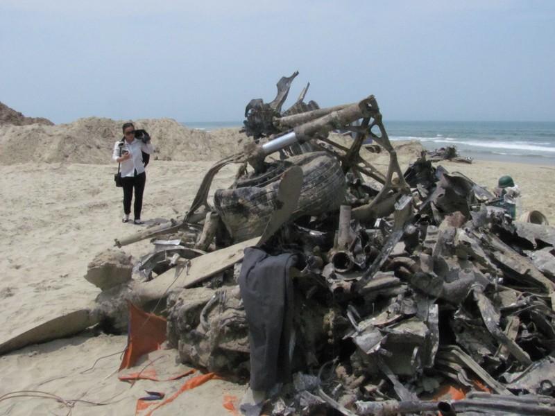 Phát hiện xác máy bay ở vịnh Lăng Cô