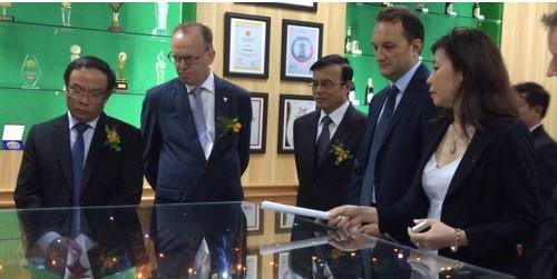 Lãnh đạo tỉnh Thừa Thiên Huế và Tập đoàn Carlsberg tham quan nhà máy bia Phú Bài