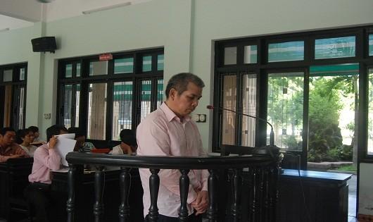 Bị cáo Nguyễn Văn Tùng trước vành móng ngựa