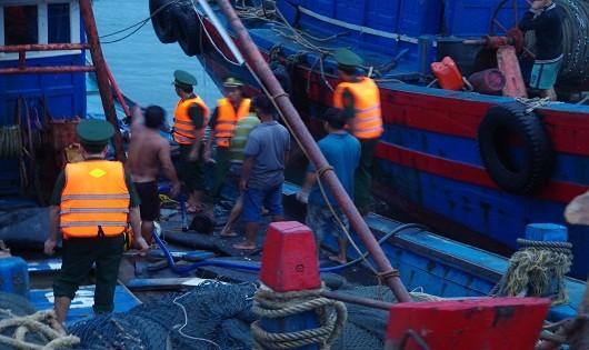 Lực lượng chức năng ứng cứu thành công tàu gặp nạn